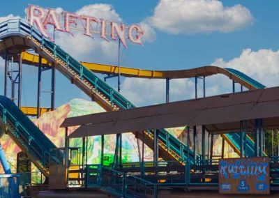 Carnival Kingdom rafting ride